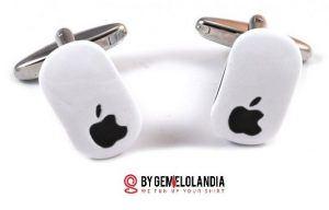 """Ratón apple - Gemelolandia celebra el Día de Internet mostrando gemelos de Internet relacionados con Facebook, Twitter, Google, Apple, Microsoft y la famosa """"arroba"""" @. Gemelolandia - Gemelos para camisas - Gemelos en Internet"""