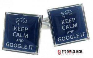 """Keep calm and Google it - Gemelolandia celebra el Día de Internet mostrando gemelos de Internet relacionados con Facebook, Twitter, Google, Apple, Microsoft y la famosa """"arroba"""" @. Gemelolandia - Gemelos para camisas - Gemelos en Internet"""
